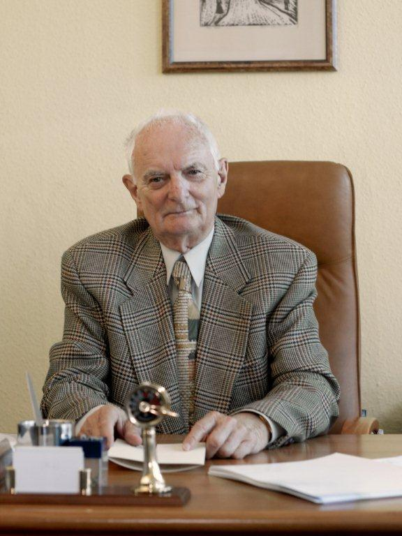 Prof. dr hab. Jerzy Dietl