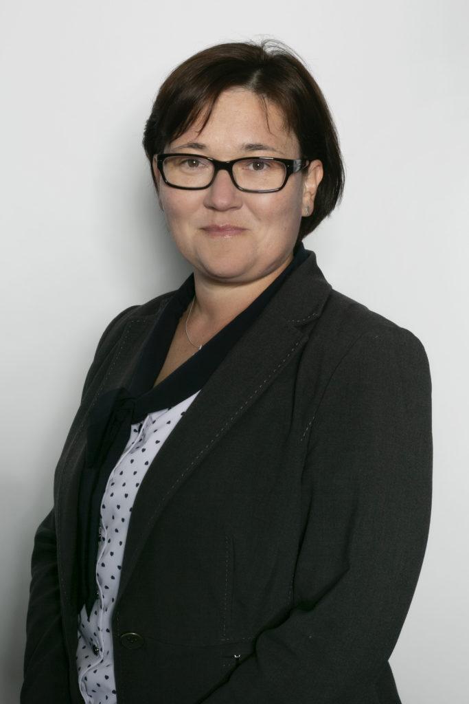 dr hab. Iwona Olejnik, prof. UEP, Uniwersytet Ekonomiczny w Poznaniu