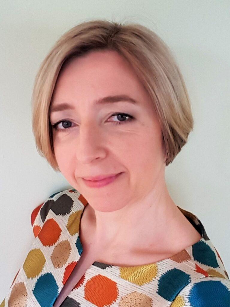 Dr hab. Agnieszka Żbikowska, prof. UEK