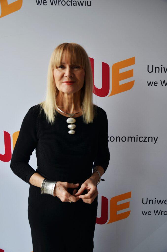 Prof. dr hab. Krystyna Mazurek-Łopacińska